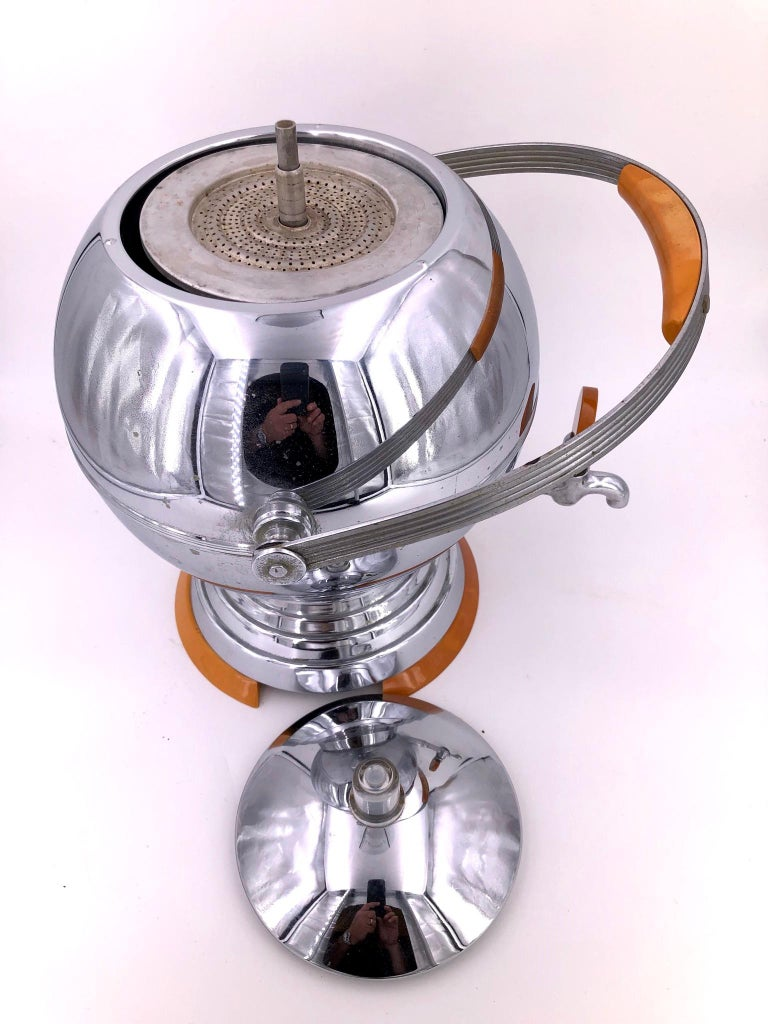 American Art Deco Coffee Maker by Manning Bowman in Chrome and Bakelite For Sale