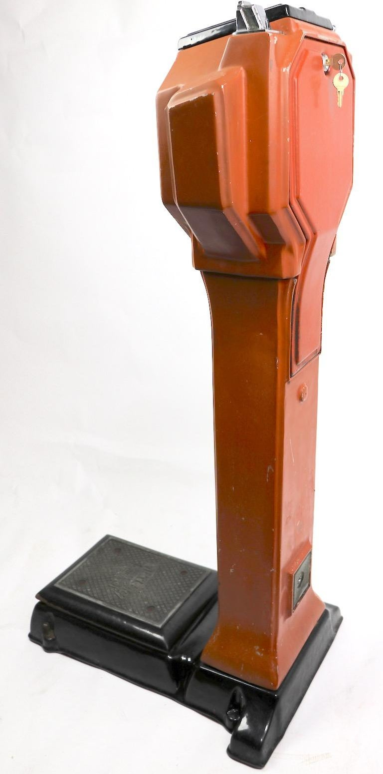 Art Deco Coin Operated Scale by Watling of Chicago In Good Condition For Sale In New York, NY