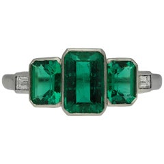 Art Deco Colombian Emerald Three-Stone Ring, circa 1920