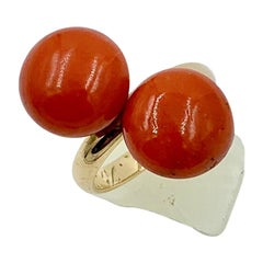 Art Deco Coral Ring 14 Karat Gold Red Salmon Coral Cabochon, 1924