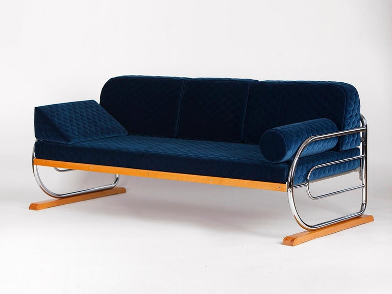 This original couch or daybed was produced by Hynek Gottwald during the 1930s in Prague. The chrome plate was polished and the wooden parts has been new lacquered. The mattress is made of solid coconut fibre. It has been completely restored and