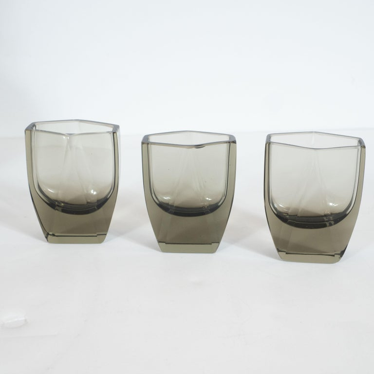Art Deco Czech Cubist Decanter Set with Six-Shot Glass in Clear Graphite Glass In Excellent Condition For Sale In New York, NY