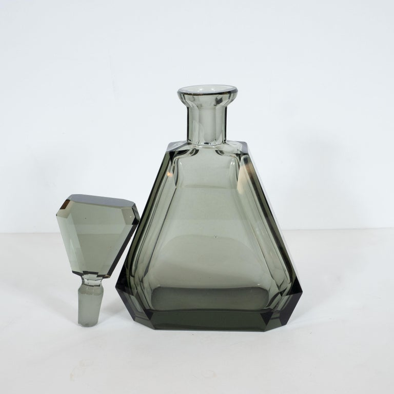Art Deco Czech Cubist Decanter Set with Six-Shot Glass in Clear Graphite Glass For Sale 2