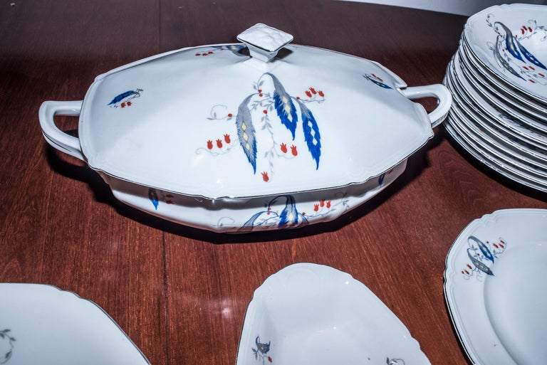 Art Deco Czechaslovakia Blueredjaune Porcelain 52 Pieces Tableware, 1930 For Sale 6