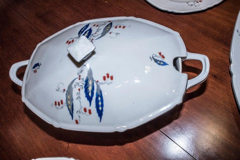 Art Deco Czechaslovakia Blueredjaune Porcelain 52 Pieces Tableware, 1930 For Sale 9
