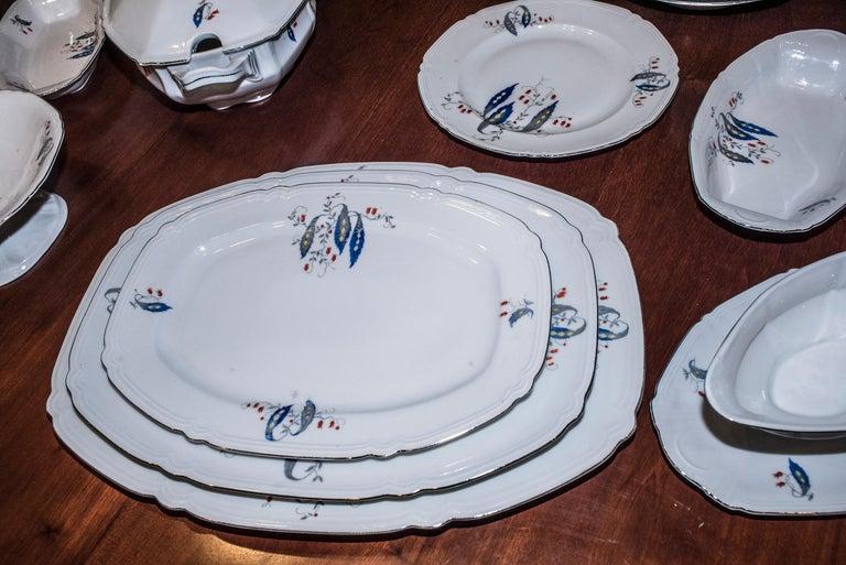 Art Deco Czechaslovakia Blueredjaune Porcelain 52 Pieces Tableware, 1930 For Sale 11