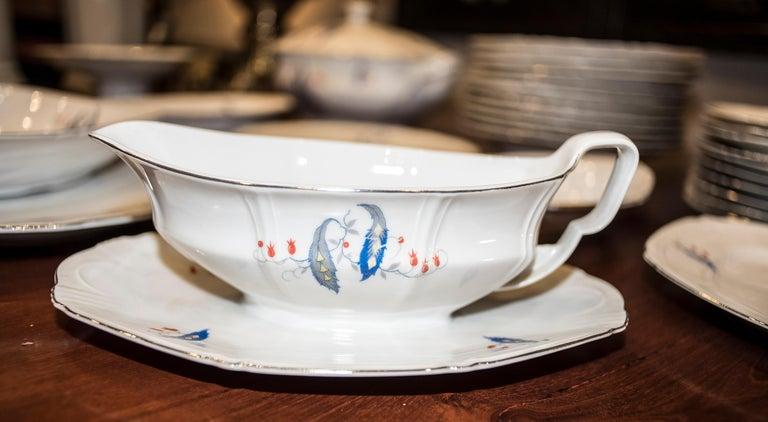 Art Deco Czechaslovakia Blueredjaune Porcelain 52 Pieces Tableware, 1930 For Sale 4