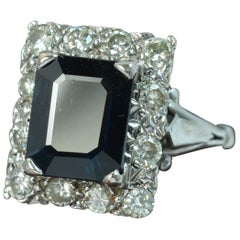 Art Deco Design 18 Carat White Gold Natural Sapphire and Diamond Cluster Ring