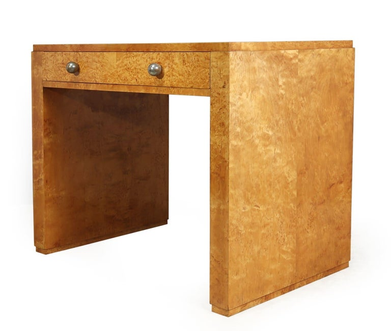 Mid-20th Century Art Deco Desk in Karelian Birch, circa 1930 For Sale