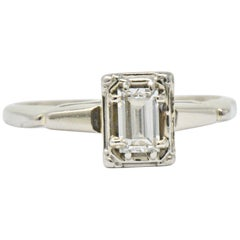 Art Deco Diamond 14 Karat White Gold Engagement Ring
