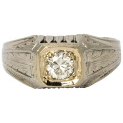 Art Deco Diamond 18 Karat White Gold Ring