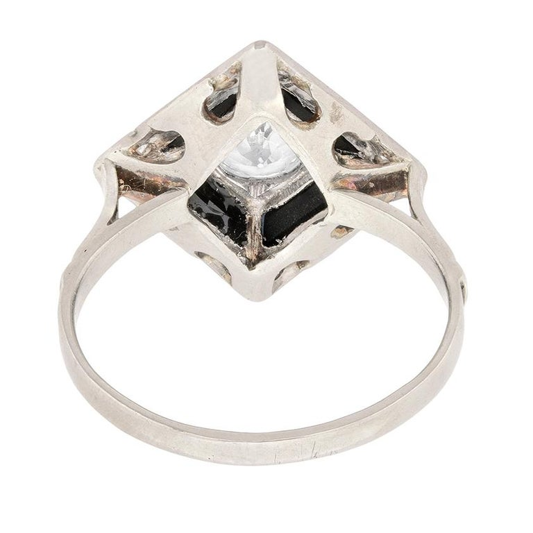 Women's or Men's Art Deco Diamond and Onyx Cocktail Ring, circa 1920s For Sale