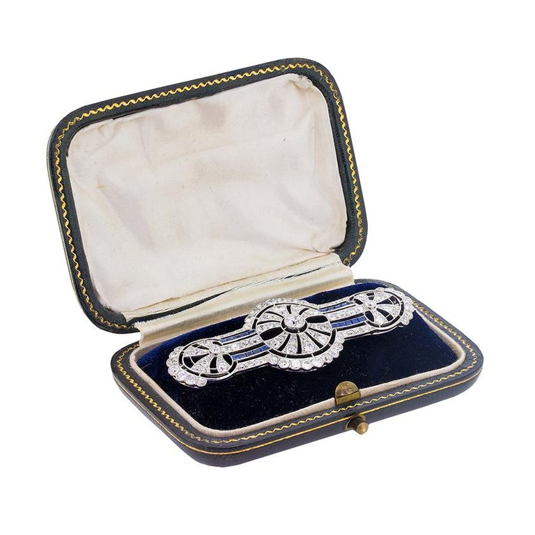 Art Deco Diamond and Sapphire Brooch, circa 1920s In Excellent Condition For Sale In London, GB