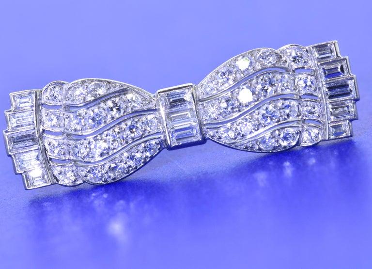 Art Deco Diamond Bow Brooch, circa 1930 In Excellent Condition For Sale In Aspen, CO