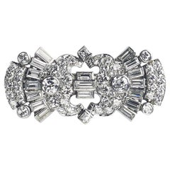 Art Deco Diamond Brooch, Platinum, circa 1935, 4.30 Carat