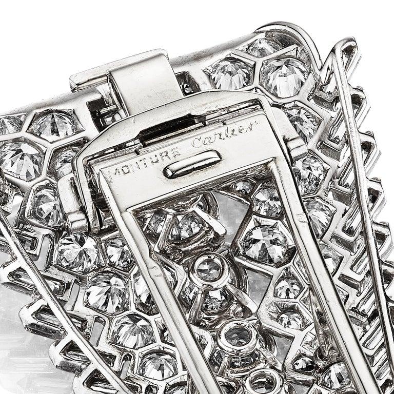 Cartier Paris Art Deco Diamond Clip Brooch circa 1930 In Good Condition For Sale In New York, NY