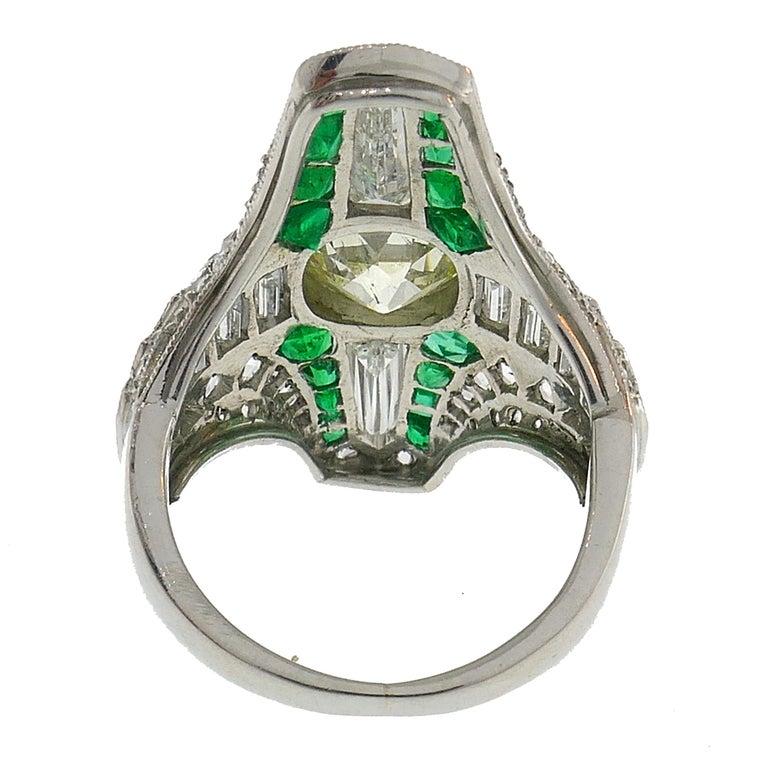 Women's Art Deco Diamond Emerald Platinum Ring For Sale