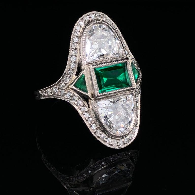 Women's Art Deco Diamond Emerald Ring, ca. 1900s For Sale