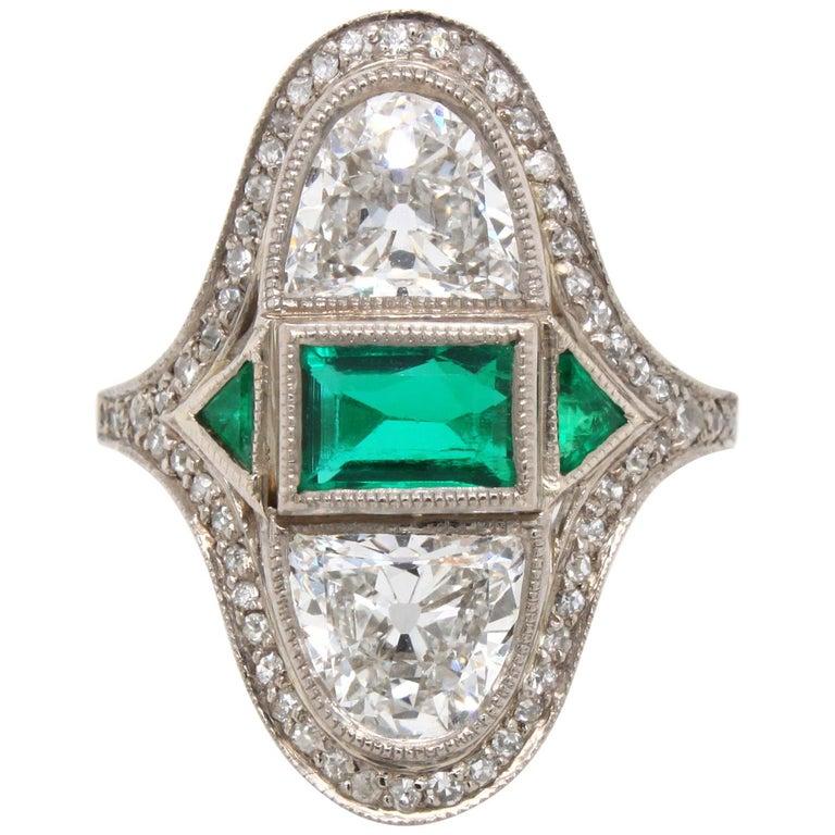 Art Deco Diamond Emerald Ring, ca. 1900s For Sale