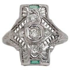 Art Deco Diamond Filigree 18 Karat White Gold Shield Ring with Emerald Accents