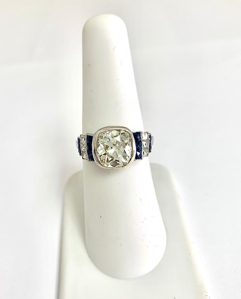 Women's or Men's Art Deco Diamond Ring with 2.57 Carat Old Euro Cut Center, circa 1920s