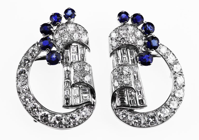 Round Cut Art Deco 1920 Diamond & Sapphire Double Clip Brooch in 18K White Gold For Sale