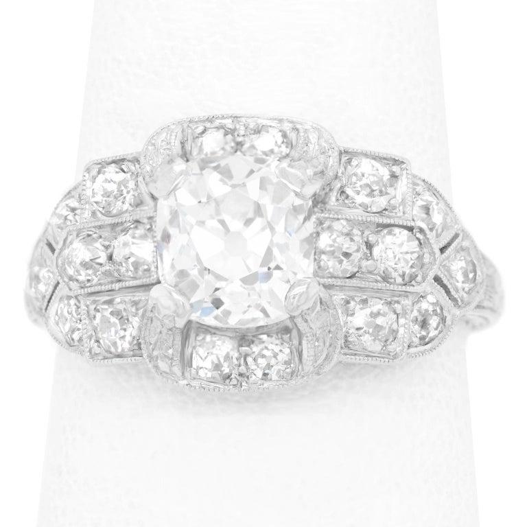 Art Deco Diamond-Set Platinum Ring For Sale 4