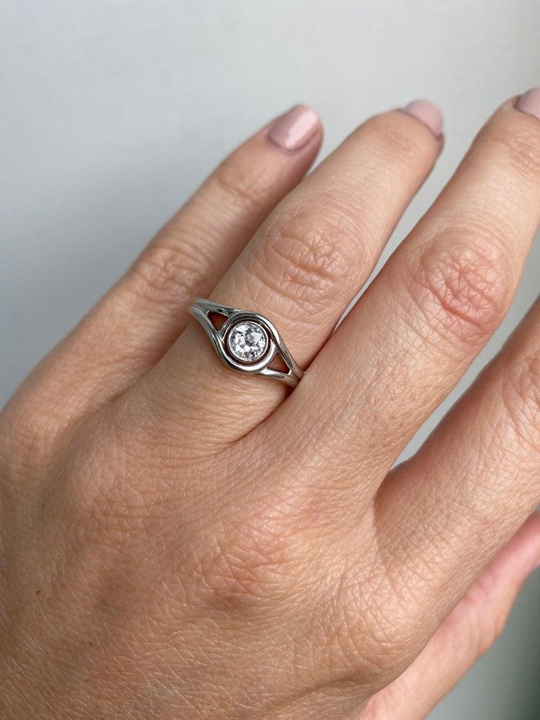 Art Deco Diamond Solitaire Platinum Gold Bicolor Ring For Sale 3
