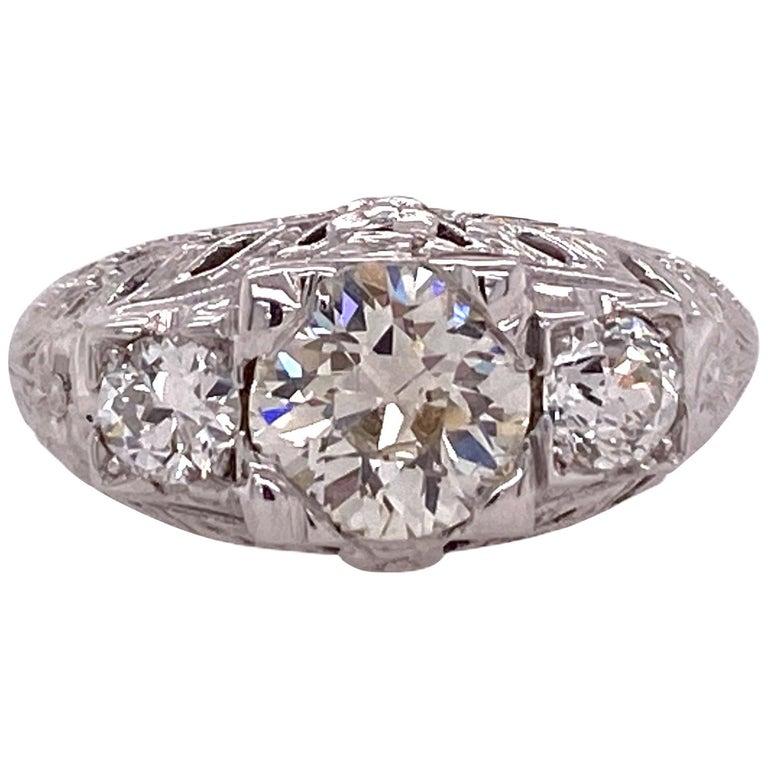 Art Deco Diamond Three-Stone 18 Karat White Gold Engagement Ring For Sale