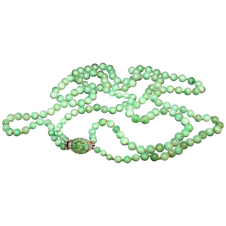 Art Deco Double Strand Jade Graduated Bead Necklace with 18-Karat Gold Clasp For Sale