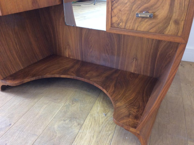 Art Deco Dressing Table n a Figured Walnut For Sale 5