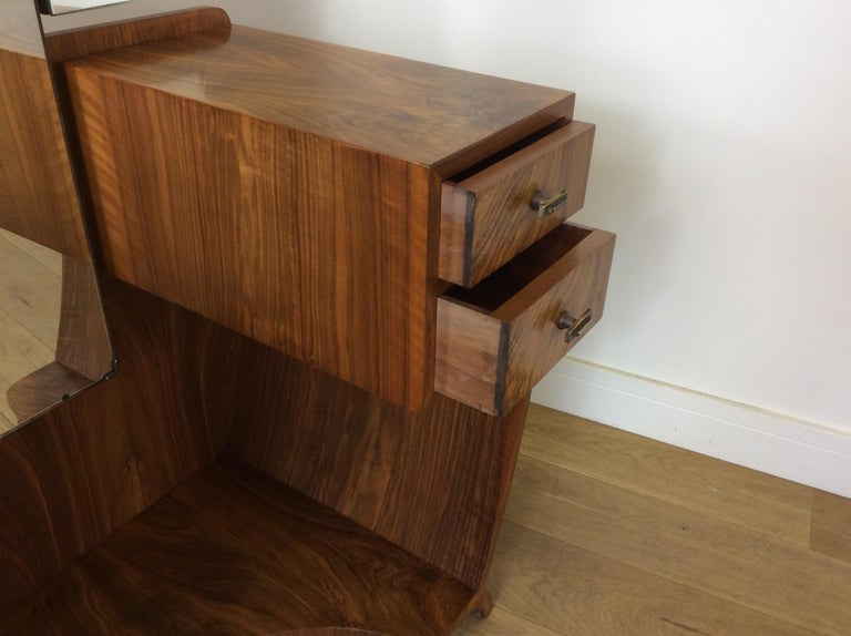 Art Deco Dressing Table n a Figured Walnut For Sale 6