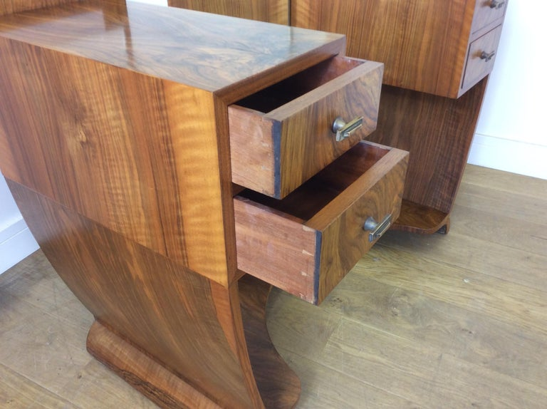 Art Deco Dressing Table n a Figured Walnut For Sale 9