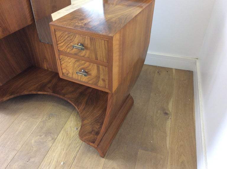 Art Deco Dressing Table n a Figured Walnut For Sale 4