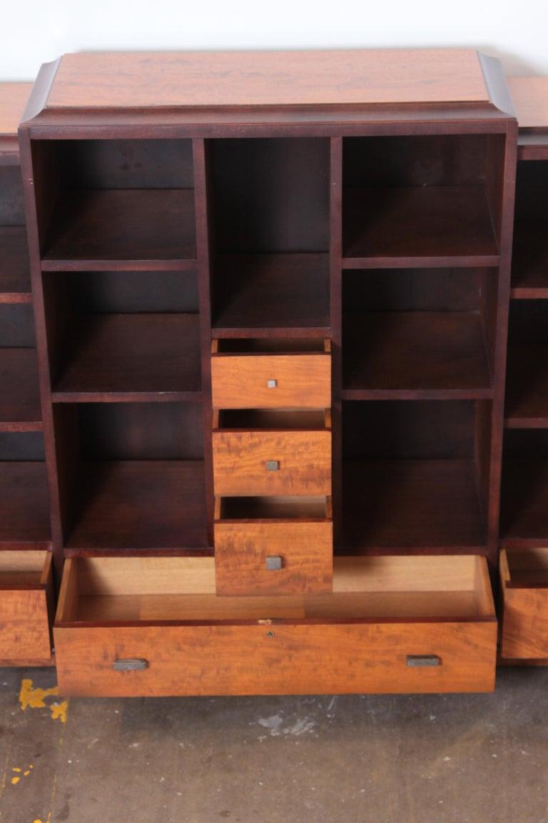 Art Deco Dynamique Creations Johnson Furniture Co. Skyscraper Bookcase Wall Unit In Good Condition For Sale In Dallas, TX
