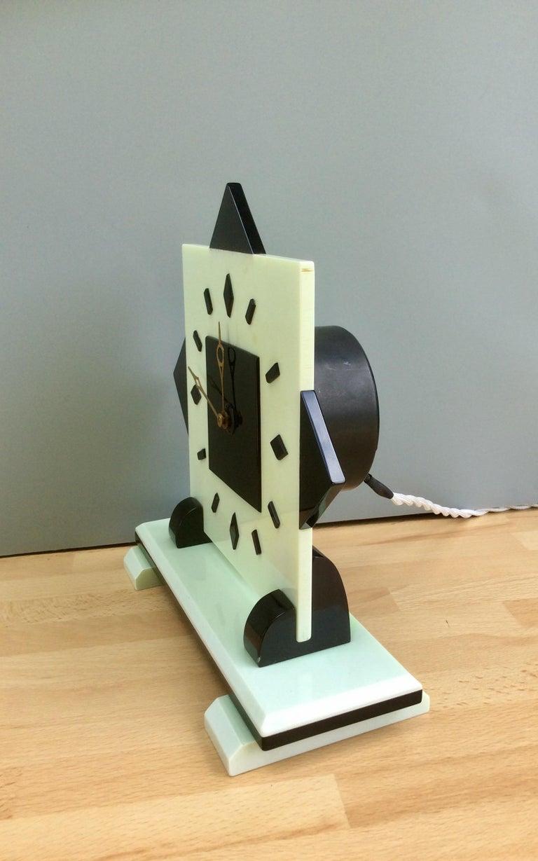 English Art Deco Electric Bakerlite Mantel Clock For Sale