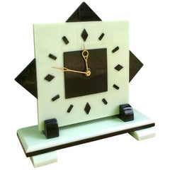 Art Deco Electric Bakerlite Mantel Clock