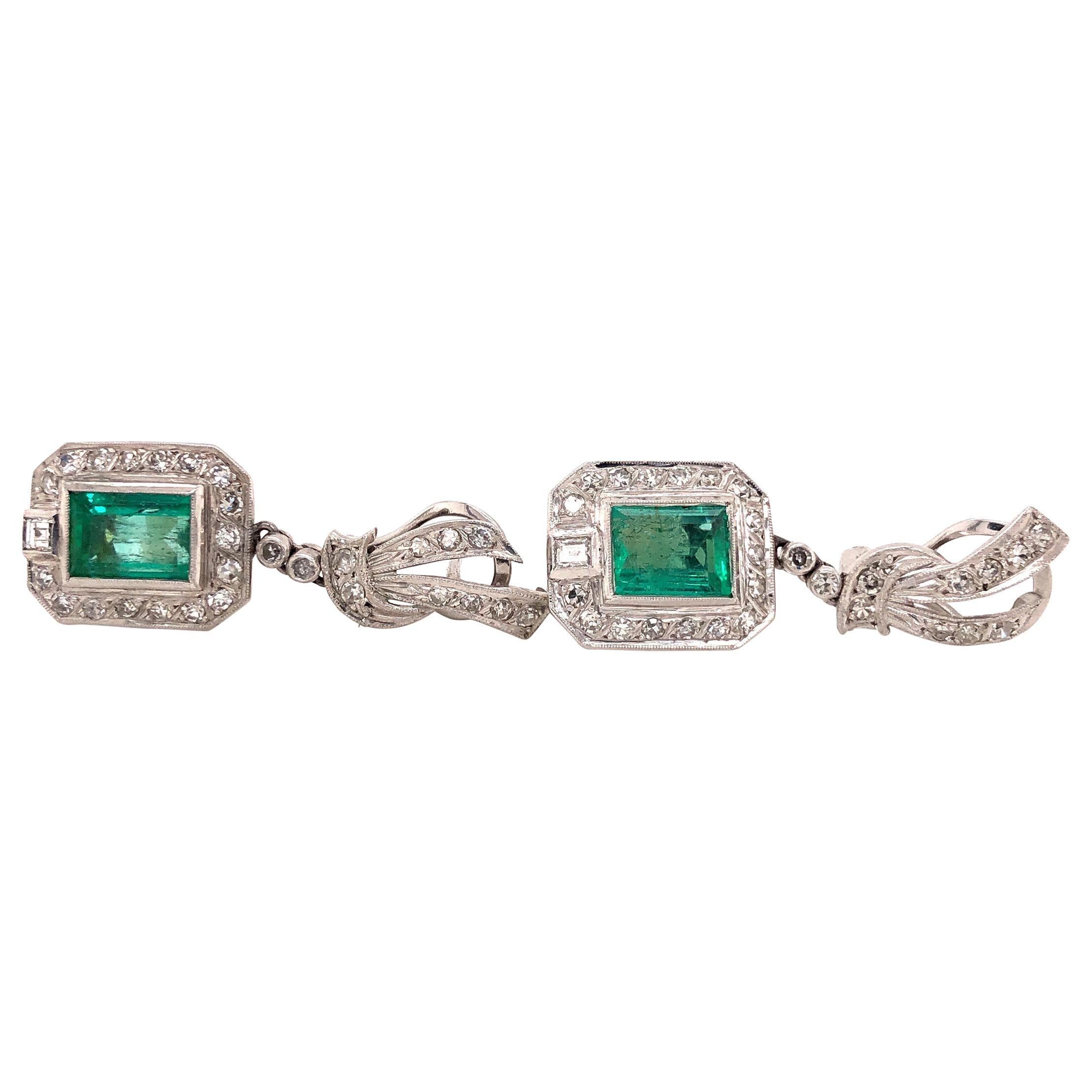 Art Deco Emerald and Diamond 18 Karat White Gold Drop Earrings