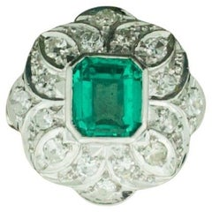 Art Deco Emerald and Diamond Ring in Platinum