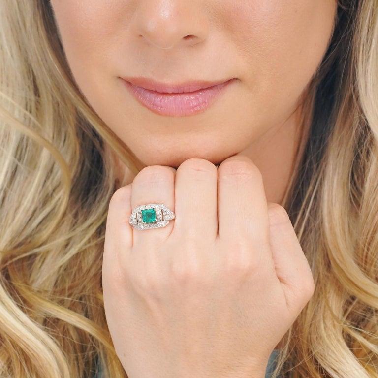 Women's Art Deco Emerald and Diamond Set Platinum Ring For Sale