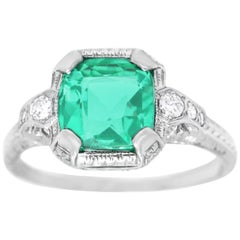 Art Deco Emerald and Diamond-Set Platlinum Ring