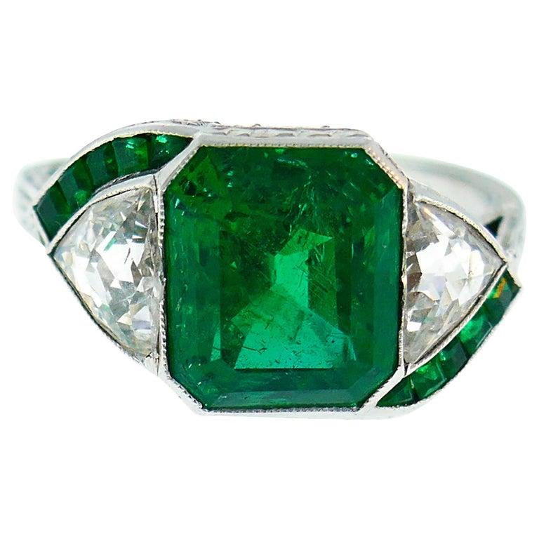 Art Deco Emerald Diamond Platinum Ring For Sale