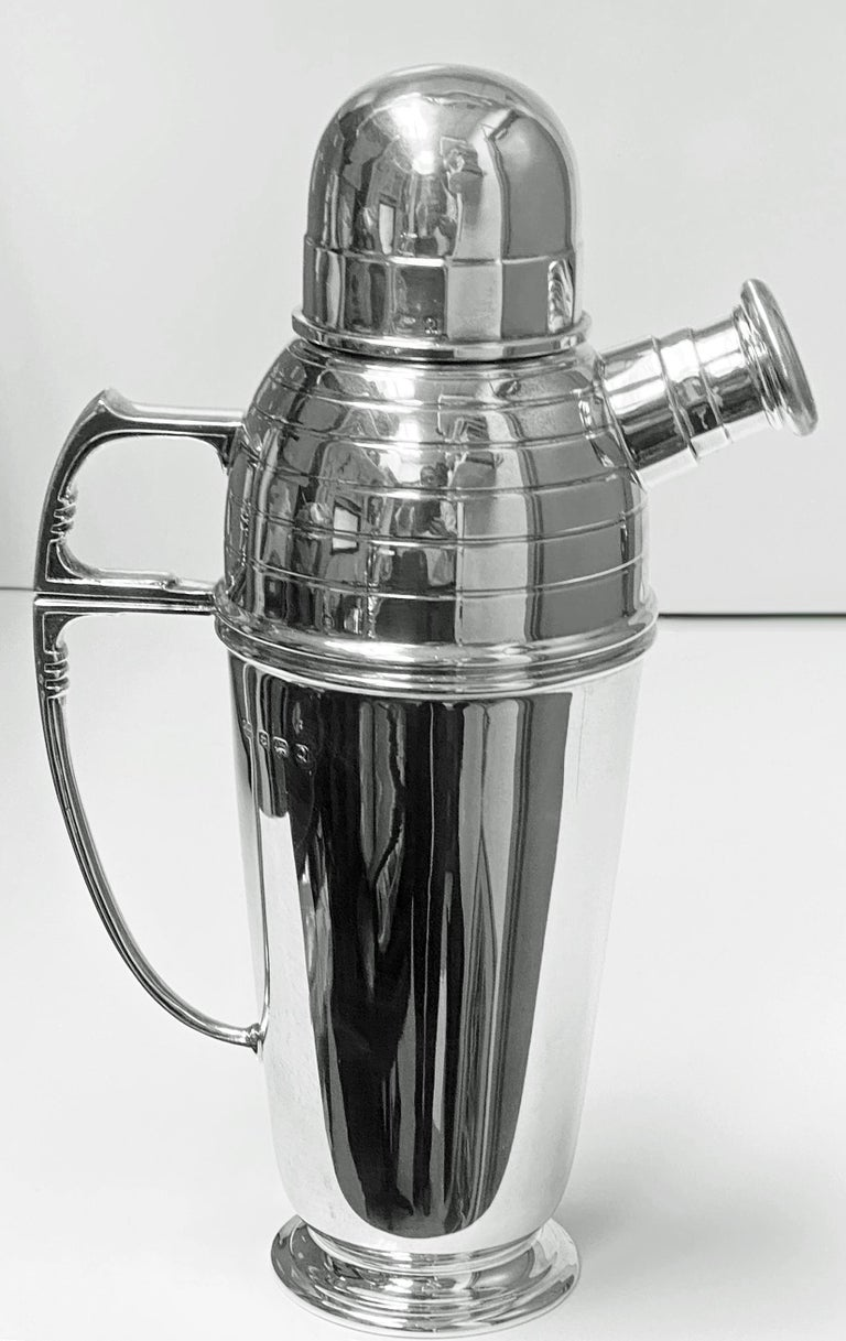 20th Century Art Deco English Silver Cocktail Shaker, Birmingham 1913 Pearce & Sons For Sale