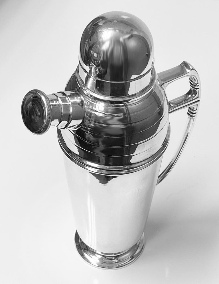 Art Deco English Silver Cocktail Shaker, Birmingham 1913 Pearce & Sons For Sale 1