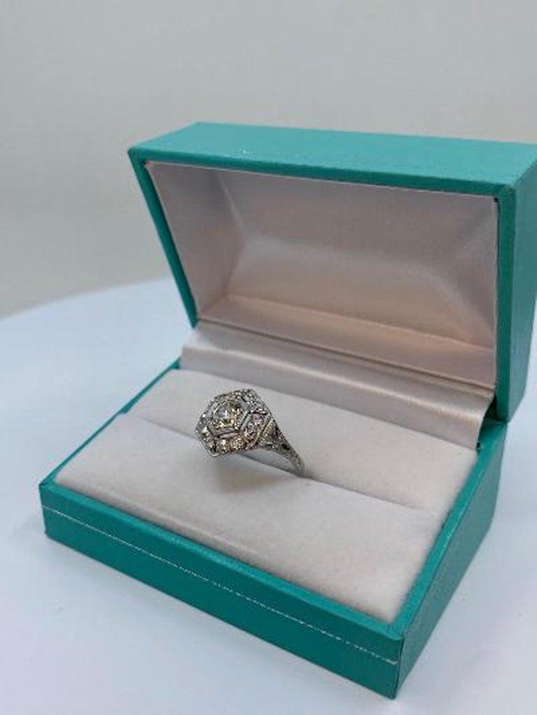 Art Deco Era 2.20 Carat Diamond and Platinum Fancy Hexagon Shaped Ring For Sale 6