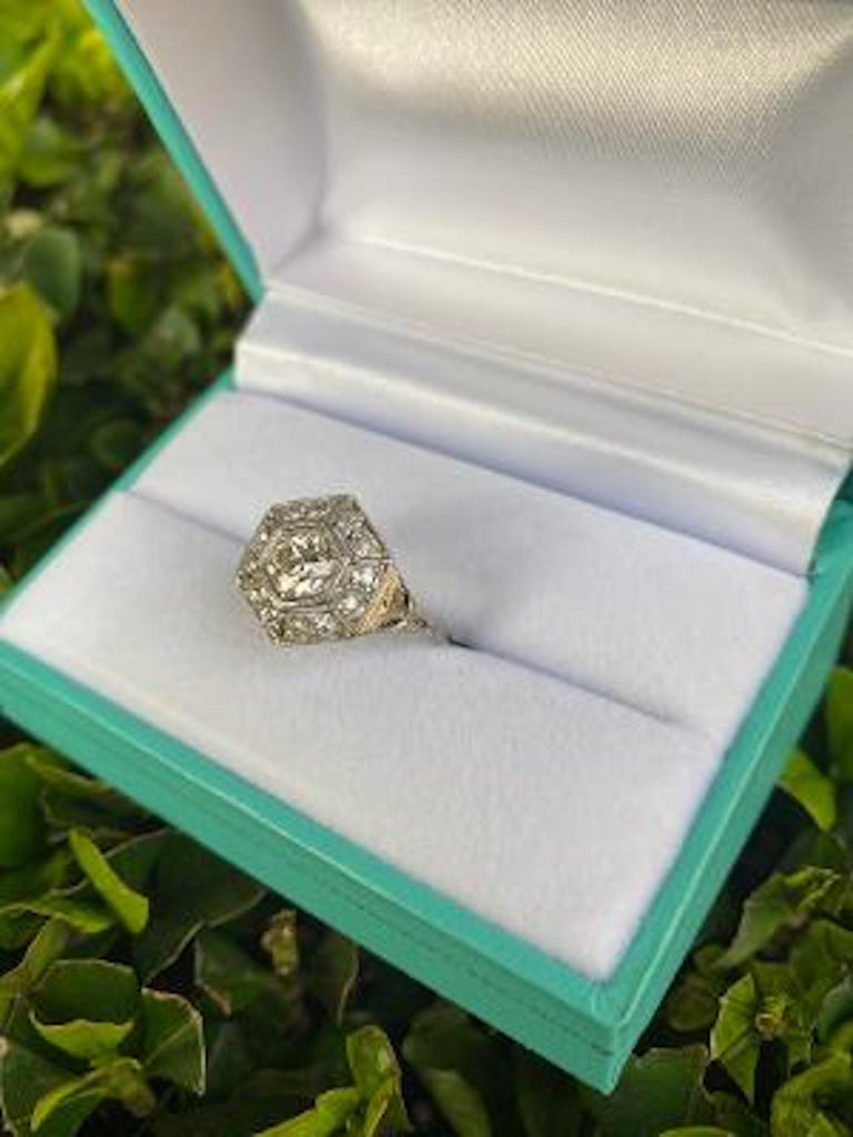 Art Deco Era 2.20 Carat Diamond and Platinum Fancy Hexagon Shaped Ring In Good Condition For Sale In Tustin, CA
