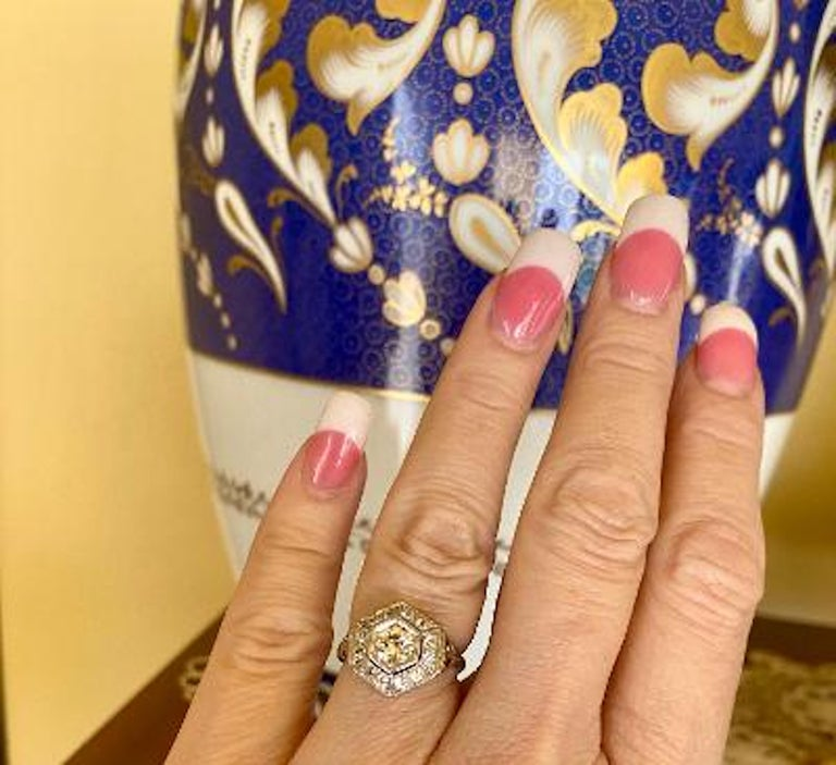 Women's Art Deco Era 2.20 Carat Diamond and Platinum Fancy Hexagon Shaped Ring For Sale