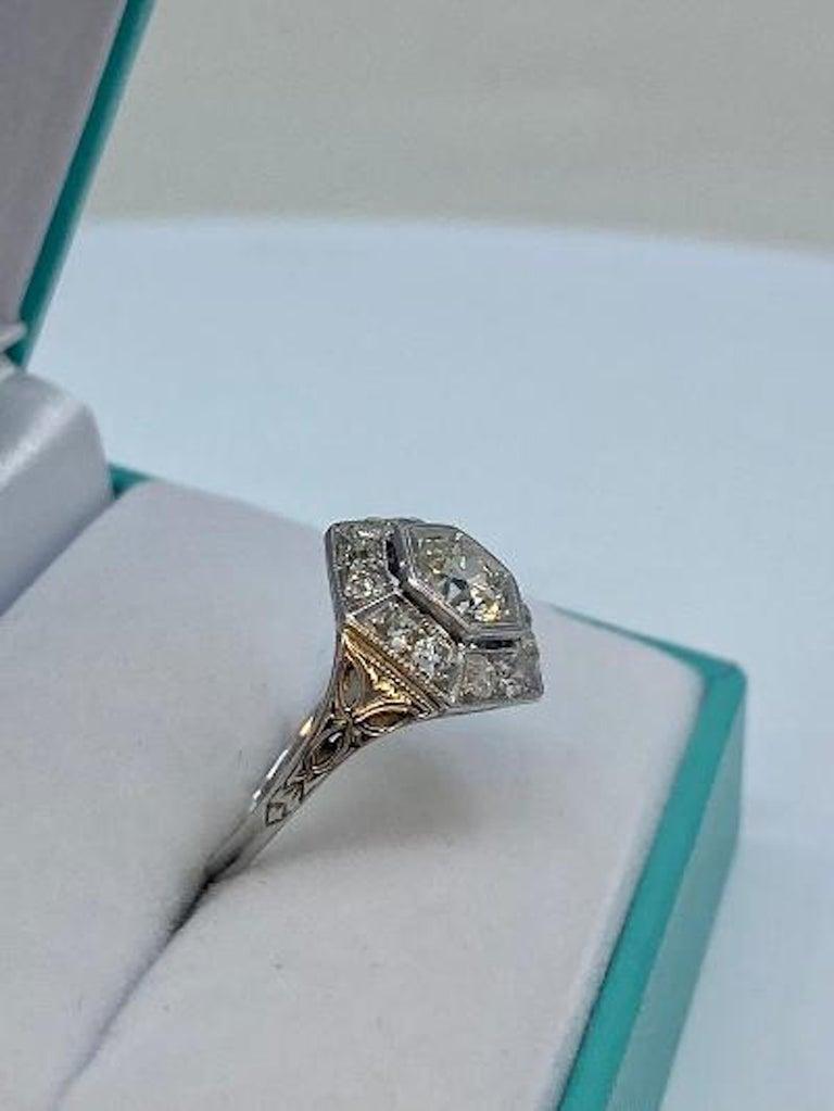 Art Deco Era 2.20 Carat Diamond and Platinum Fancy Hexagon Shaped Ring For Sale 1