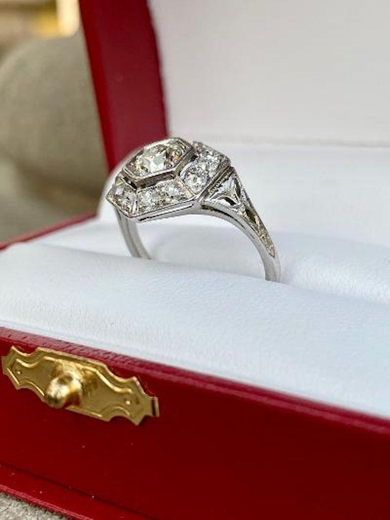 Art Deco Era 2.20 Carat Diamond and Platinum Fancy Hexagon Shaped Ring For Sale 4