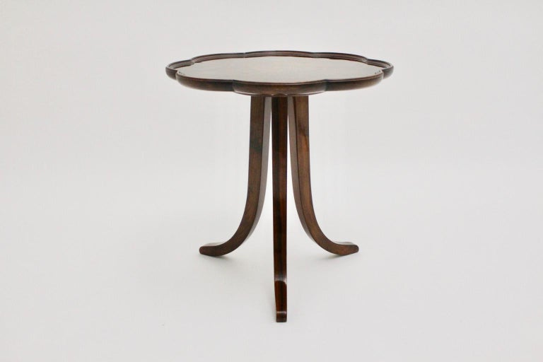 Art Deco Era Vintage Walnut Side Table by Josef Frank circa 1925 Austria In Good Condition For Sale In Vienna, AT